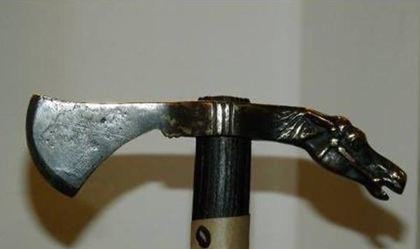 сагарис  скифский топор