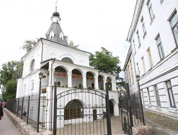 Киев, ул. Покровская, 6, храм Николая Доброго.-венчался Булгаков