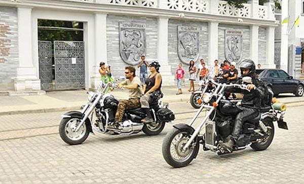 09-biker-1
