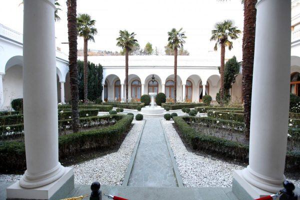 итальянский дворик-