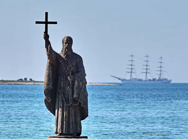 4-Папа Римский - святой Климент утоплен в 101 г. в Казачьей бухте