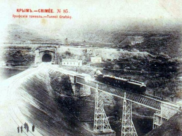 railway-in-sevastopol-01