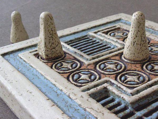 минос- доска с вставками из слоновой кости