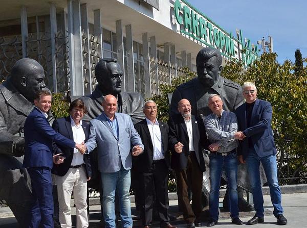 01-Испанская делегация в Крыму-