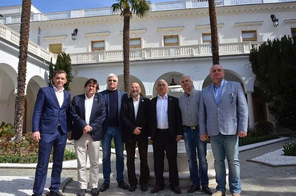 01-Испанская делегация в Крыму.--