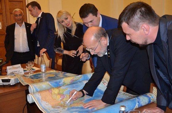 01-Испанская делегация в Крыму.-