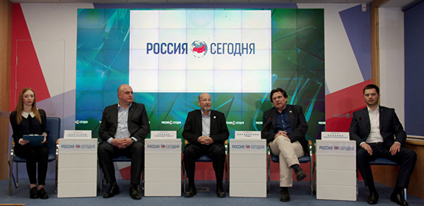 01-Испанская делегация в Крыму.