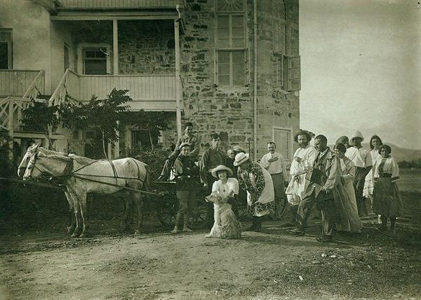 У Дома Поэта. 1913 г.