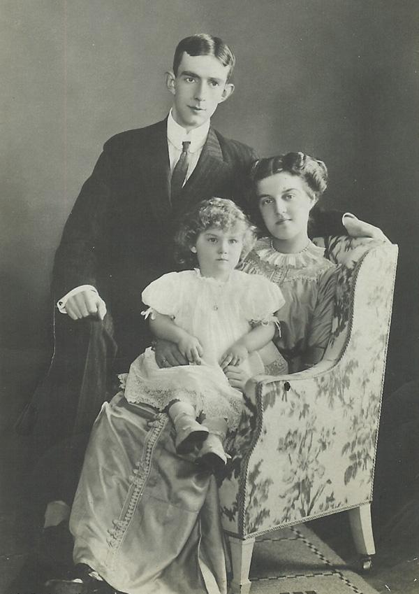 Принц Вильгем с женой, Великой княгиней Марией Павловной и сыном Леннартом в 1911 году.