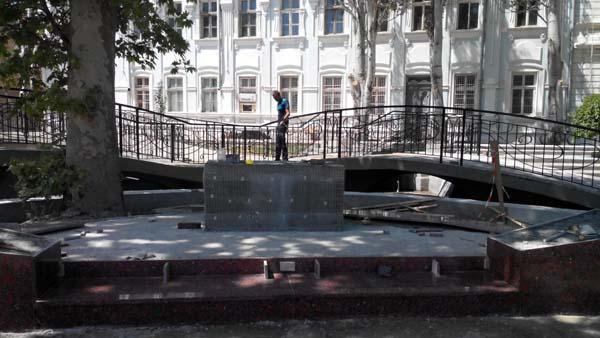 памятник Мамуне