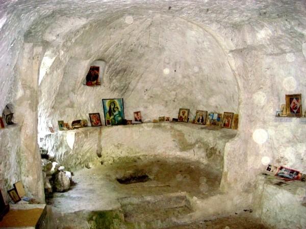 Пещерный город Качи-кальон. -св софия