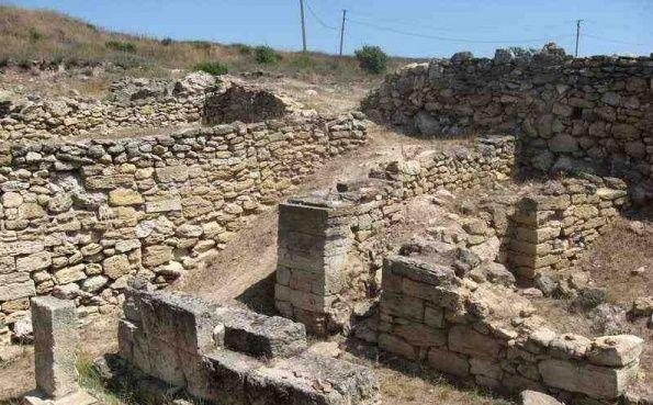 Ruiny-goroda-Mirmekija