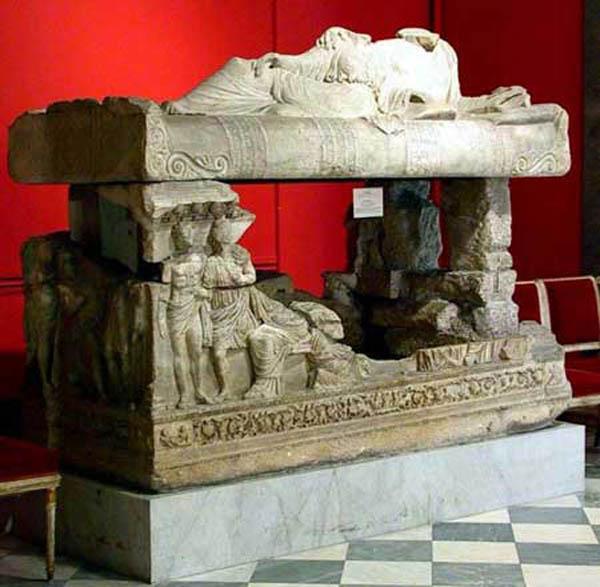mirmekii-sarkofag-