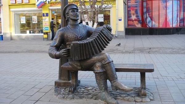 памятник-саратовской-гармошке