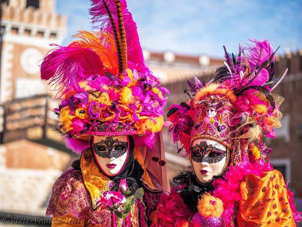0-venice-carnival-mask-costume-
