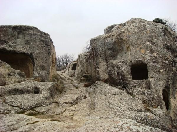 Эски-Кермен,пещерный город