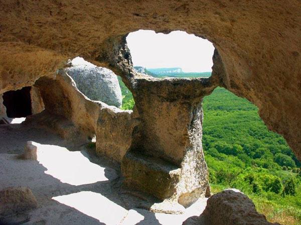 гора Эски в живописной долине Джин-Дере.