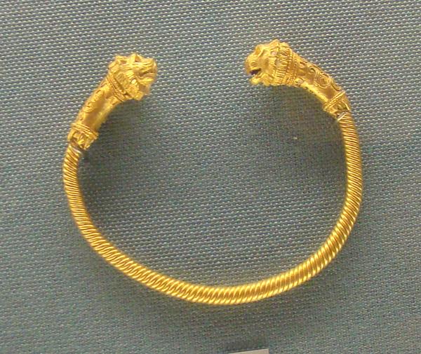 браслет-львы