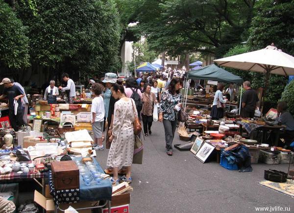 0-ogo_shrine_flea_market