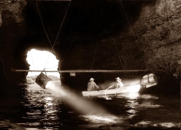 Рабочий момент съёмок на Малом Атлеше, фото из архива В. Павлотоса.