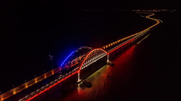 мост-ночью-