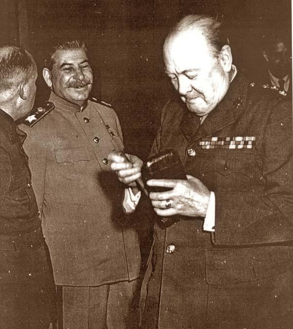 00-курильщик Сталин предупредил ещё более заядлого курильщика Черчилля о вреде курения