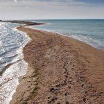 Суд приостановил добычу песка на Бакальской косе