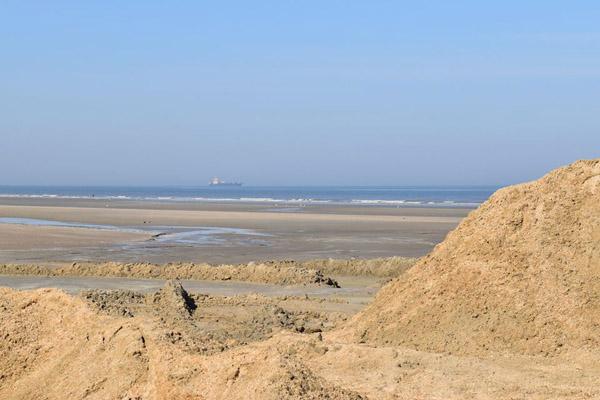 земснаряд и песок
