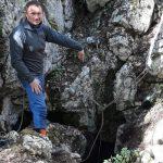 На плато Ай-Петри нашли пещеру глубиной 105 метров.