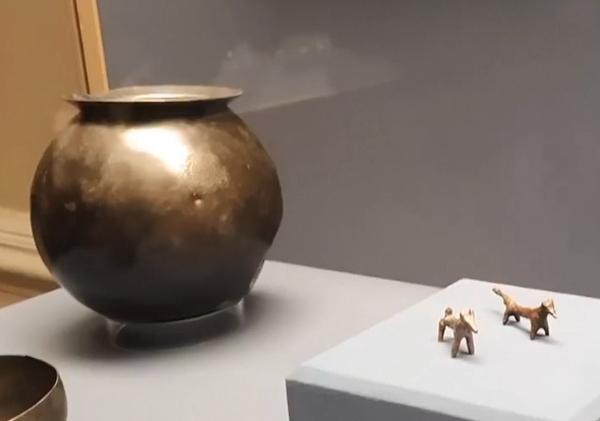 две собачки-медь и серебро
