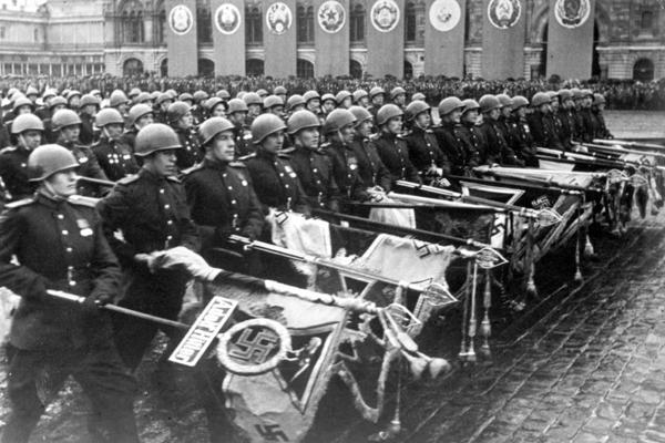 фашистские знамёна