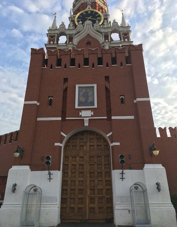 парад-ворота спасской