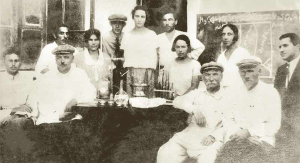 00-саки-бром-Ильинский (2-й слева)
