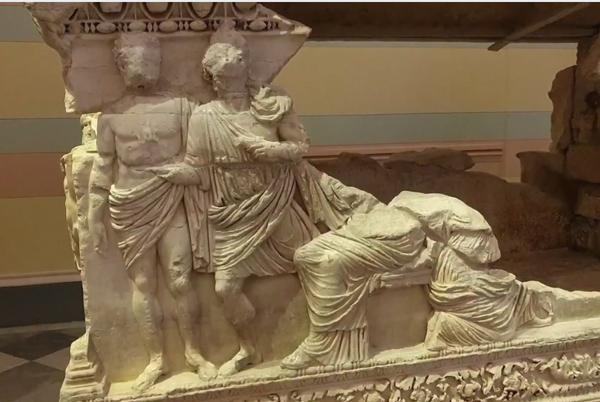 греч-саркоф-мермекий-2 век до н.э.