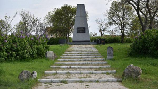 на военном французском кладбище