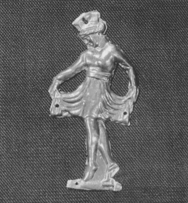 Две золотые бляшки в виде рельефной фигуры танцовщицы в зеркальном отображении