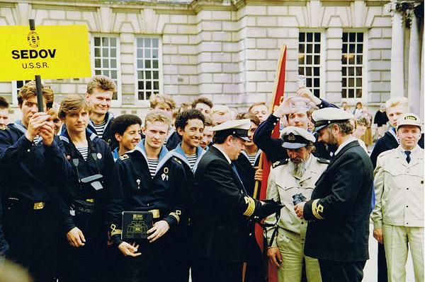 1991-Sedov_England_is_a_prize