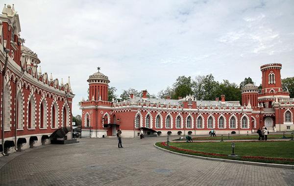Петровский путевой дворец5