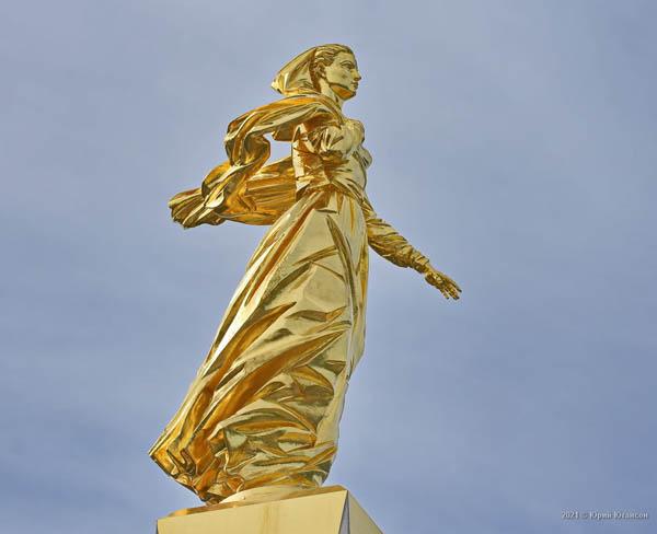 исход-памятник-1