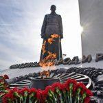 Памятник примирению в Севастополе