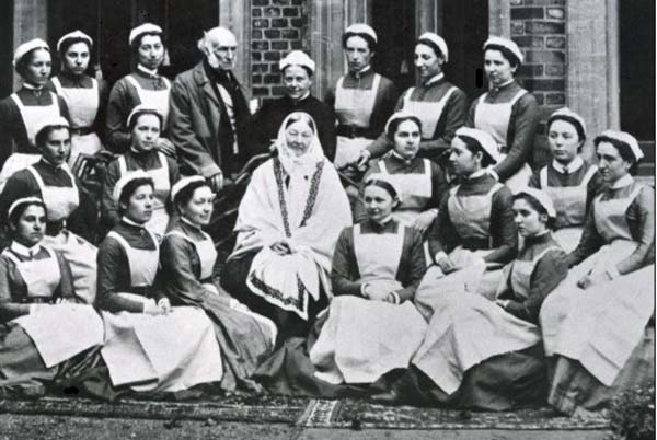 Florence_nightingale_at_st_thomas 1886 г.