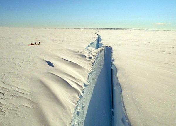 Откололся Айсберг в Антарктиде 2021