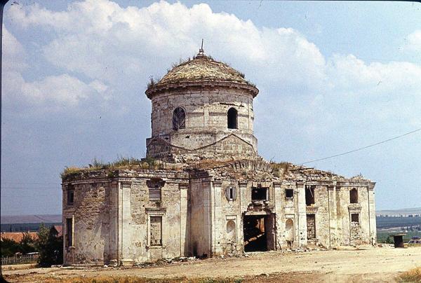 храм Богородицы в насыпке