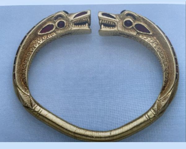 Золотой браслет из раскопок Ван дер Вейде