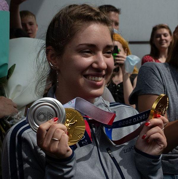 Виталина Бацарашкина стала двукратной олимпийской чемпионкой.