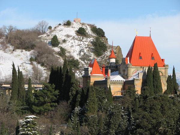 Дворец Утёс на мысе Плака.