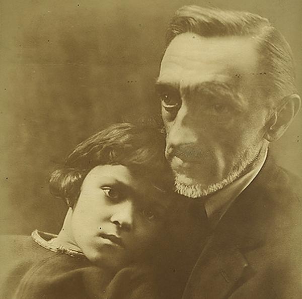 Иван Шмелев с сыном