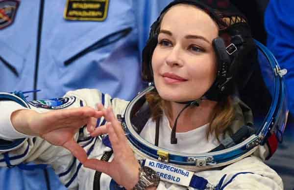 юля в космос